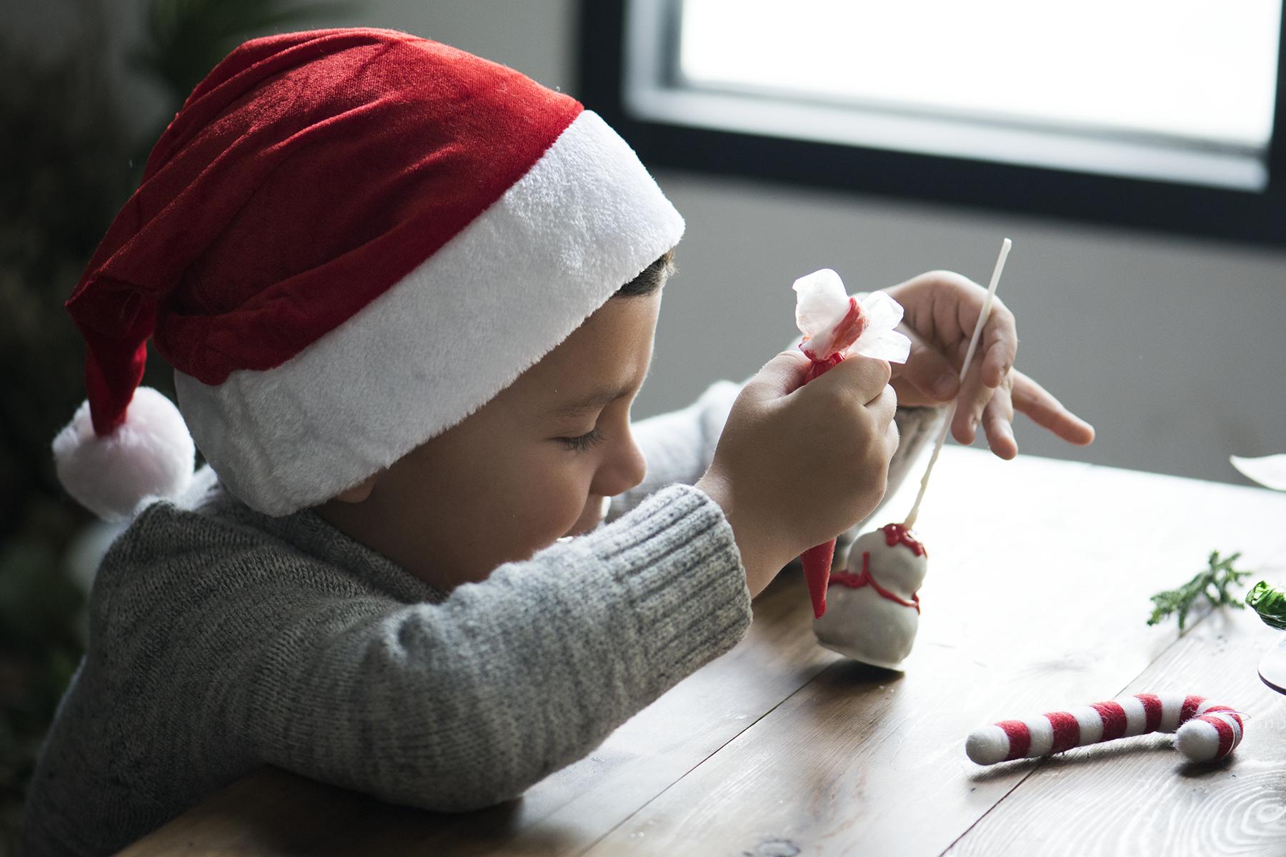 Enkel hjemmelaget julepynt til årets juleverksted